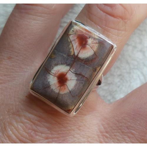 Zilveren ring met rechthoekige Birds Eye Jaspis maat 17.7 mm