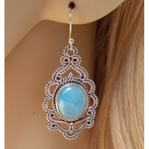 Zilveren lange oorbellen gezet met ovale Larimar