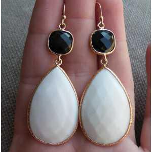 Vergulde zilveren oorbellen met witte Agaat en Onyx