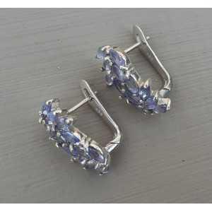 Zilveren oorbellen gezet met marquise facet Tanzaniet
