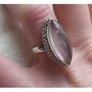 Zilveren ring gezet met marquise Rozenkwarts 17.3 mm