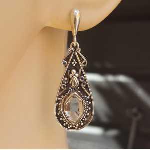Silber Ohrringe-set mit Herkimer Diamanten in einem geschnitzten Einstellung