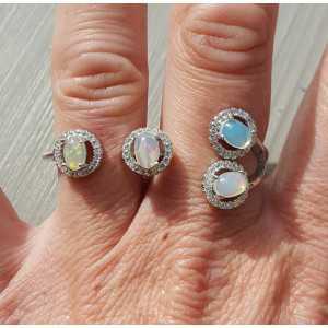 Zilveren dubbele ring met Ethiopische Opaal en Zirkonia 19-18.5mm