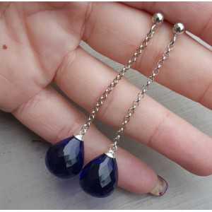 Lange oorbellen met grote Saffier blauwe quartz briolet