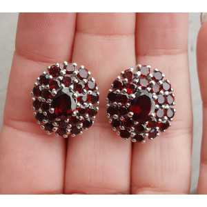 Zilveren oorbellen met ovale en ronde facet Granaten