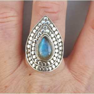 Zilveren ring met druppelvormige Labradoriet verstelbaar