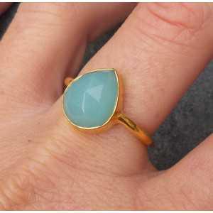 Vergulde ring met druppelvorm facet aqua Chalcedoon 18.5 mm