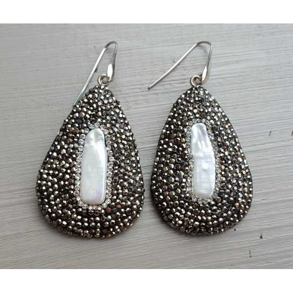 Silver earrings with pendant of crystals and Pearl