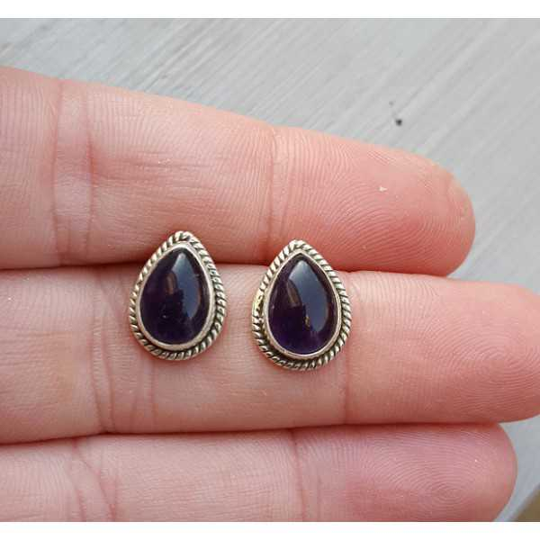 Silver oorknoppen with drop-shaped cabochon Amethyst