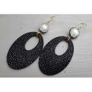 Vergoldete Ohrringe Perlen und ovalen schwarzen Glitzer Aufhänger