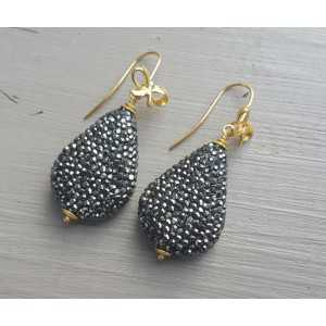 Earrings with drop crystals