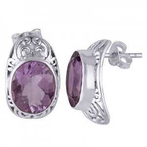 Silver oorknoppen set with oval Amethyst