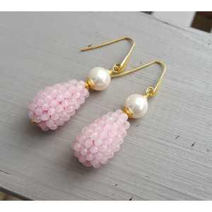 Vergulde oorbellen met Parel en druppel van roze kristallen