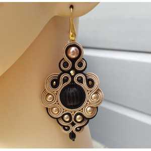 Ohrringe mit großen, schwarz mit beige handmade-Anhänger