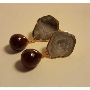 Vergulde oorbellen met geode Agaat en Robijn