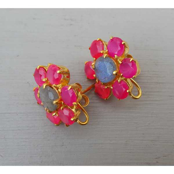 Gold plated oorknoppen with Labradorite and fuchsia pink Chalcedony