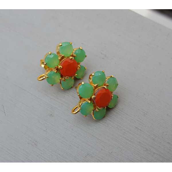 Vergoldete oorknoppen mit grün und orange Chalcedon