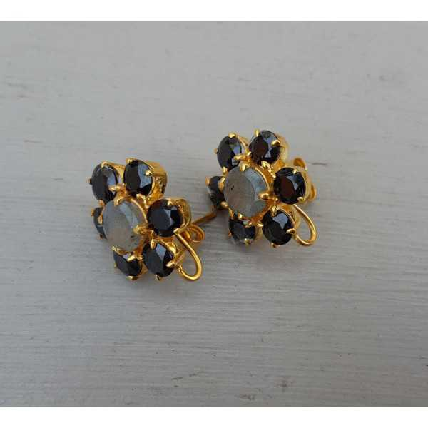 Gold plated oorknoppen with Labradorite and black Onyx