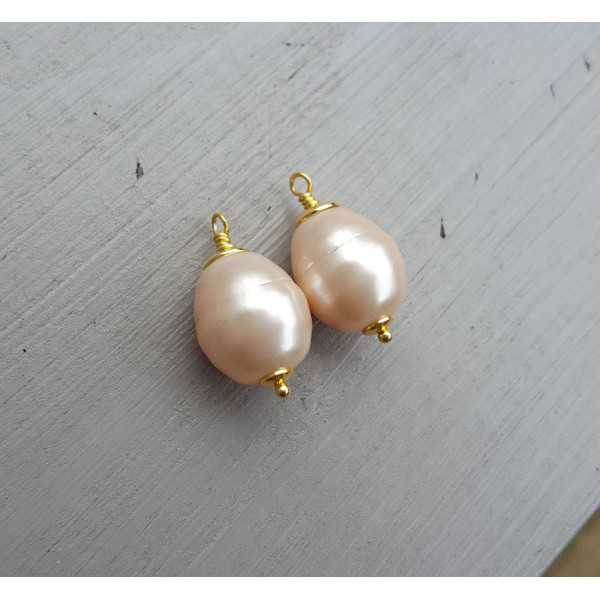 Gold plated loose pendant set with Majorca Pearl