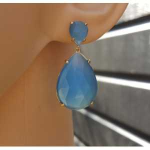 Vergulde oorbellen met twee druppelvormige blauwe Kattenogen