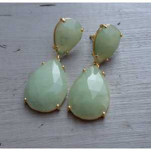 Goud vergulde oorbellen met licht groene Jade