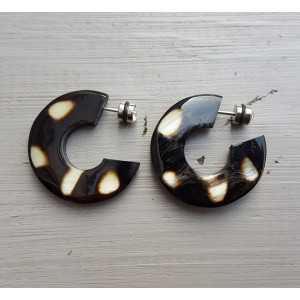 Creoles with cougar print buffalo horn