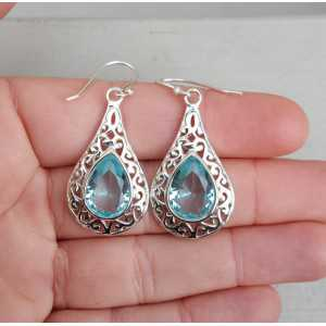 Silber-Ohrringe mit blauen Topas in offenen Einstellung gearbeitet