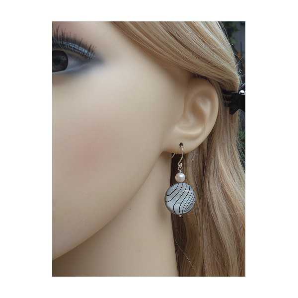 Silver earrings with Shell and Pearl