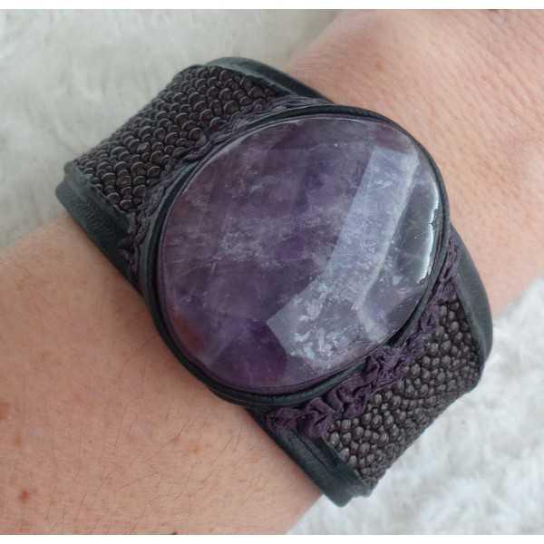 Armband van bruin Roggenleer en gezet met grote Amethist