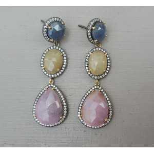 Zilveren oorbellen met gele, roze en blauwe Saffieren