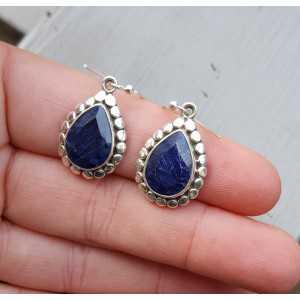Zilveren edelsteen oorbellen met Saffieren in bewerkte setting