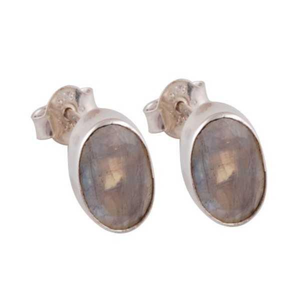 Zilveren oorknoppen gezet met facet regenboog Maansteen