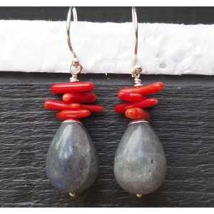 Silber-Ohrringe mit Labradorit und Koralle