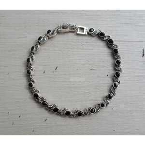Zilveren armband gezet met zwarte Onyx en Markasiet