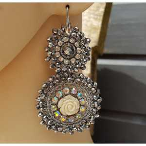 Earrings with pendant in silver crystals and flower