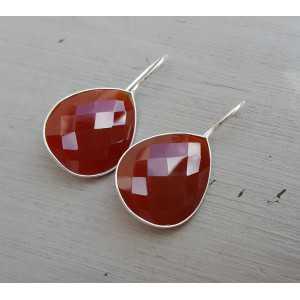 Zilveren oorbellen met druppelvormige rode Onyx
