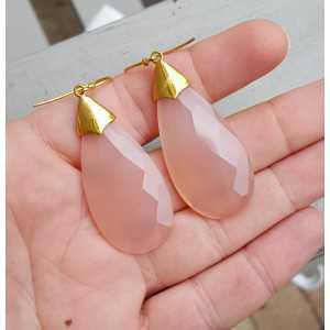Goud vergulde oorbellen met grote roze Chalcedoon briolet