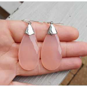 Zilveren oorbellen met grote roze Chalcedoon briolet