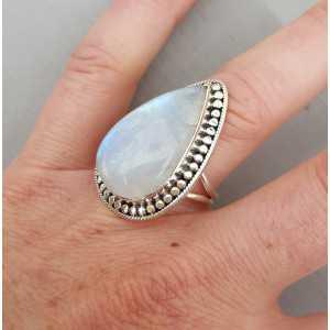Zilveren ring gezet met druppelvormige Maansteen verstelbaar