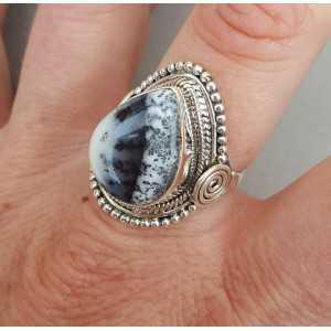 Zilveren ring gezet met Dendriet Opaal 18 mm