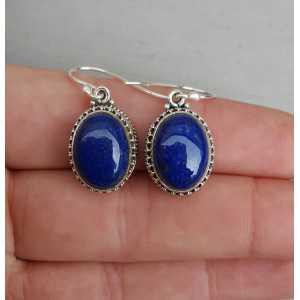 Zilveren oorbellen met Lapis Lazuli in bewerkte setting