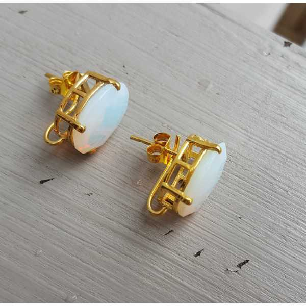 Gold plated oorknoppen set with Opaliet