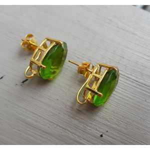 Gold plated oorknoppen set with Peridot quartz
