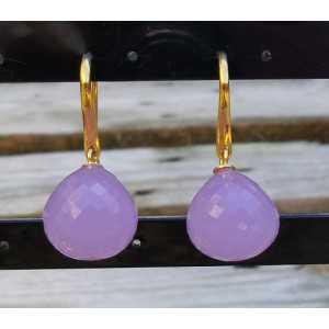Vergulde oorbellen met lavendel Chalcedoon druppel