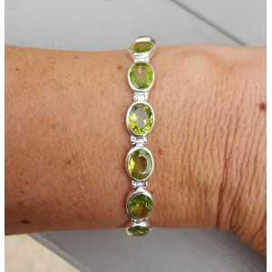 Zilveren armband gezet met Peridot