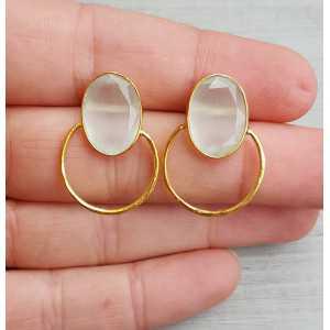 Goud vergulde oorbellen met ovale witte Kattenoog