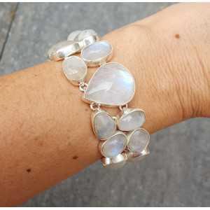 Zilveren armband gezet met cabochon geslepen Maanstenen