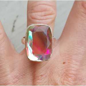 Zilveren ring gezet met rechthoekige regenboog Mystic Topaas 18
