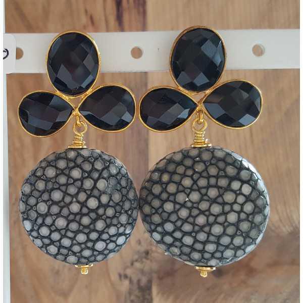 Vergoldete Ohrringe mit grauen Roggenleer und schwarzem Onyx