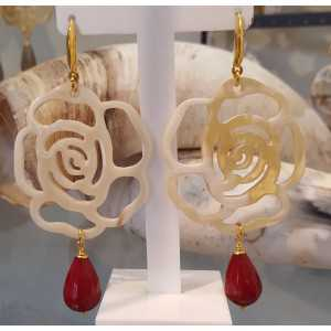 Earrings with flower of buffalo horn and red Jade briolet